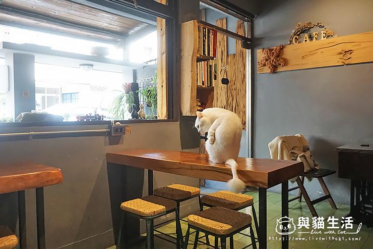 晤子咖啡_室內
